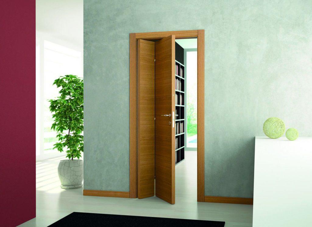 Раскладная межкомнатная дверь в интерьере