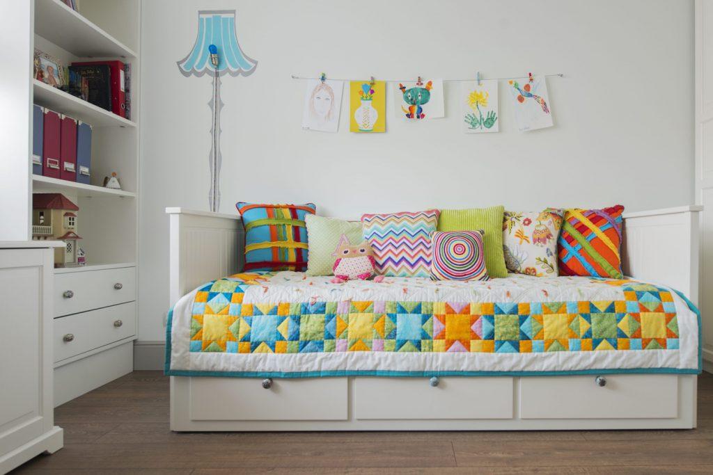 Яркие декоративные подушки своими руками