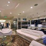 Четырехэтажный дом Жан-Клода Ван Дамма: Обзор