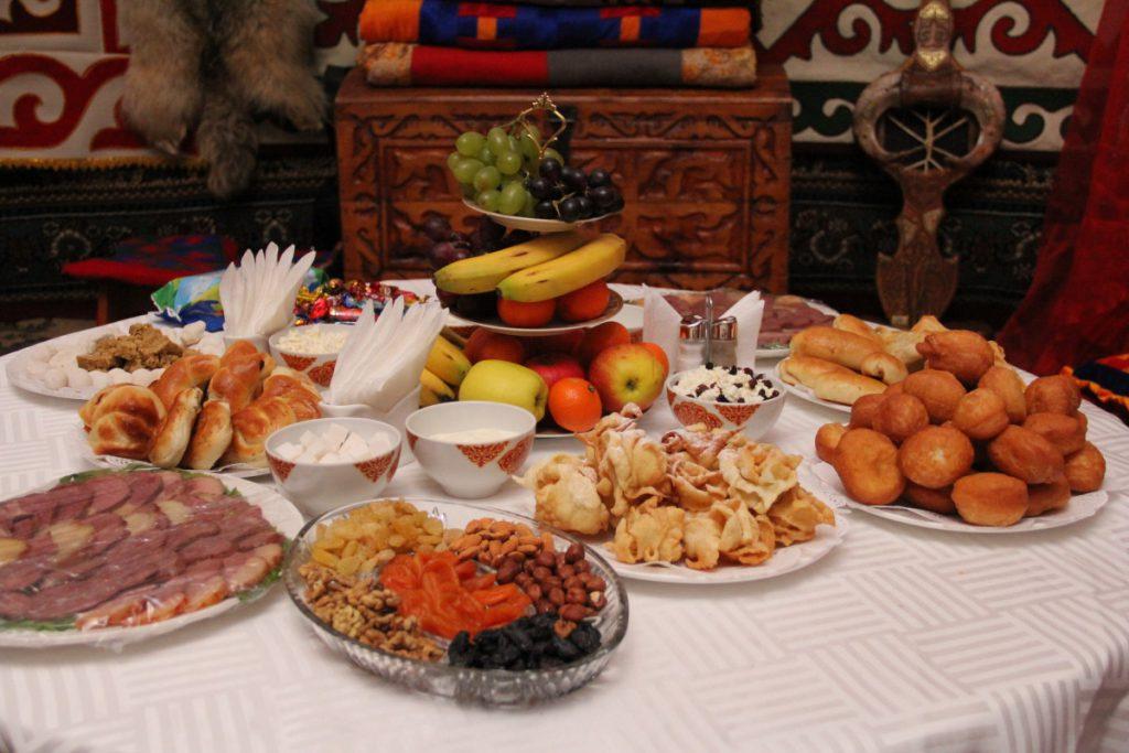 Сервировка стола в казахском стиле