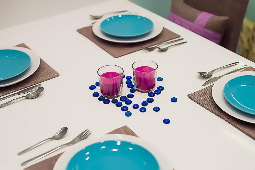 Сервировка стола в стиле минимализм