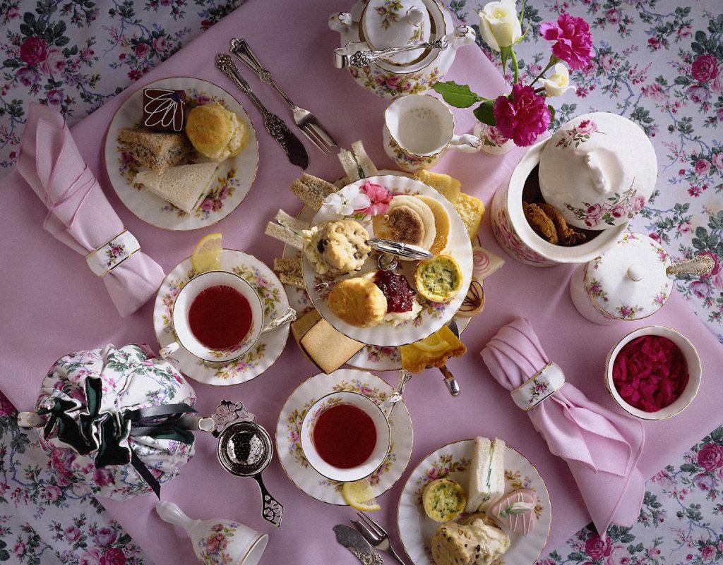 Сервировка стола к чаепитию