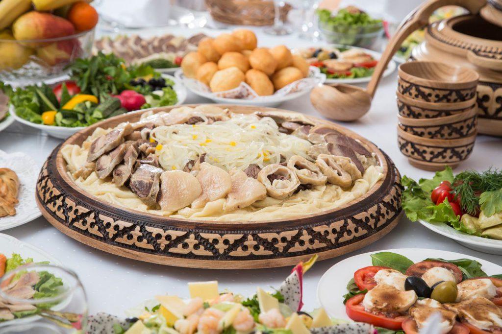 Посуда в казахском стиле