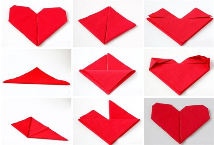 Как сложить салфетку сердечком
