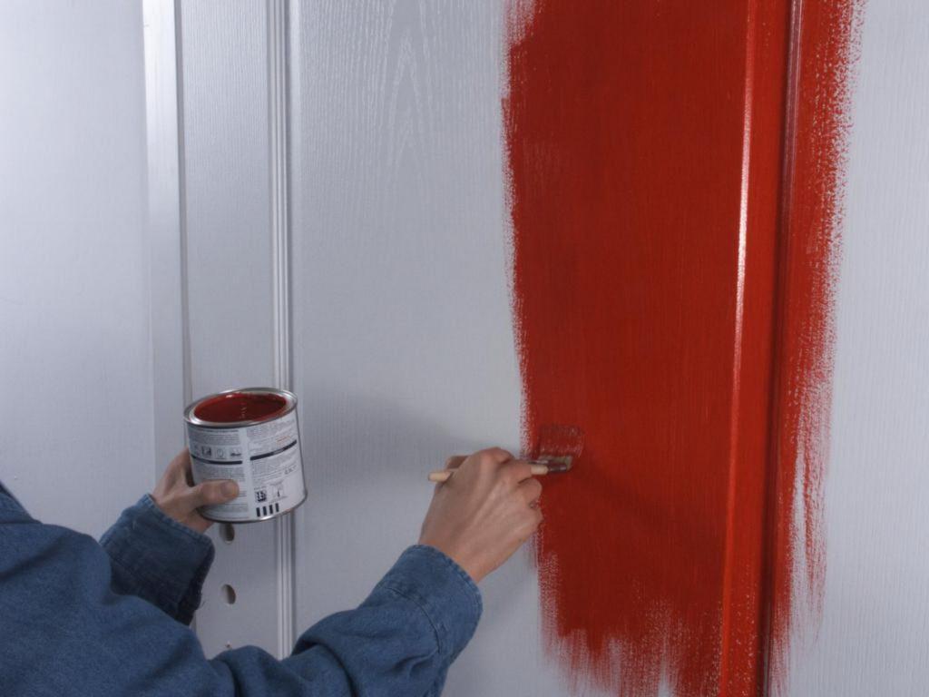 Покраска межкомнатной двери