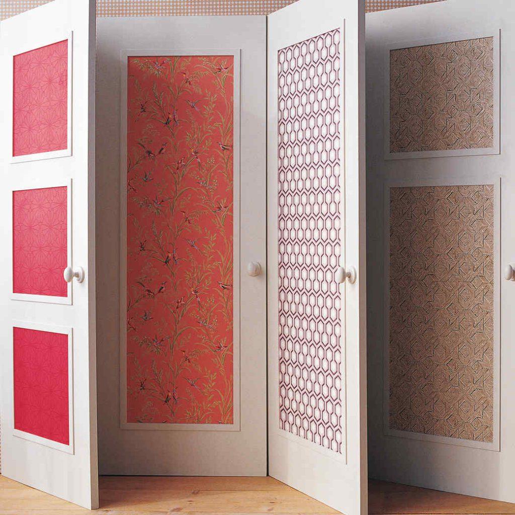 Декор межкомнатных дверей обоями