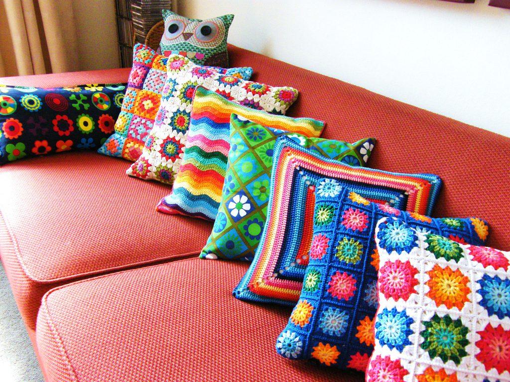 Вязаные декоративные подушки своими руками