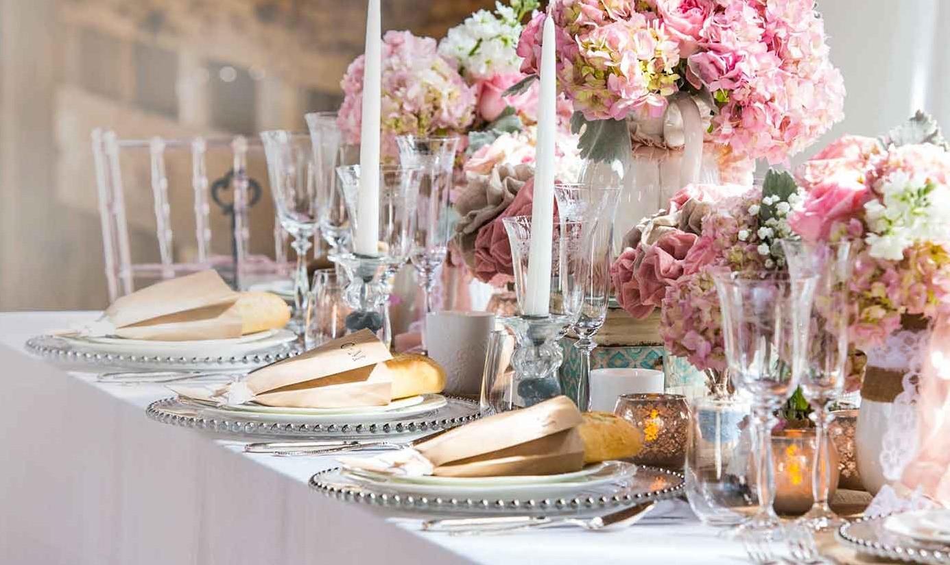 Стиль и цвет — главные составляющие красивой сервировки стола