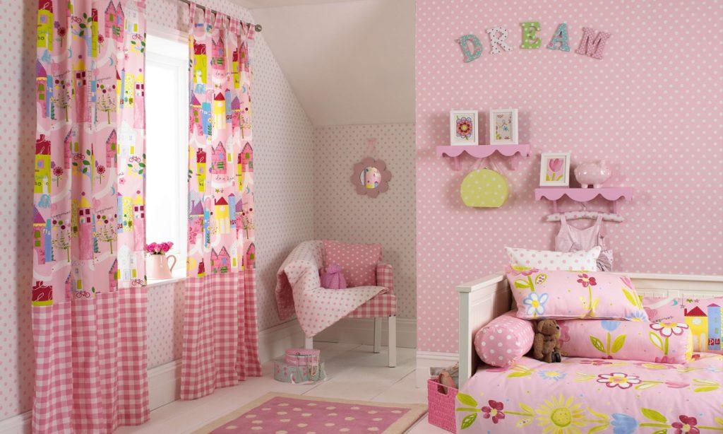 Оформление окон в детской комнате: правила хорошего дизайна