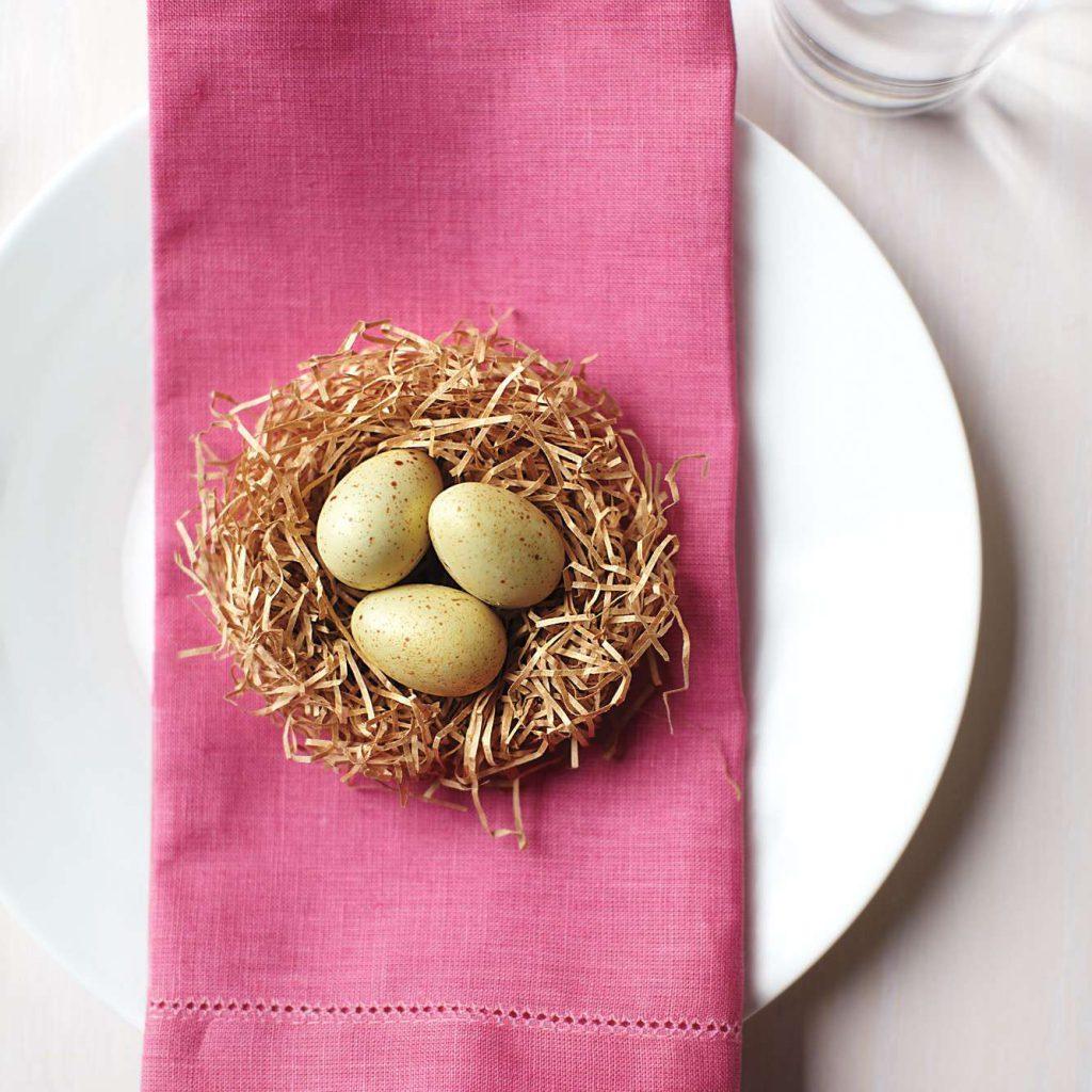 Гнездо из полосок бумаги