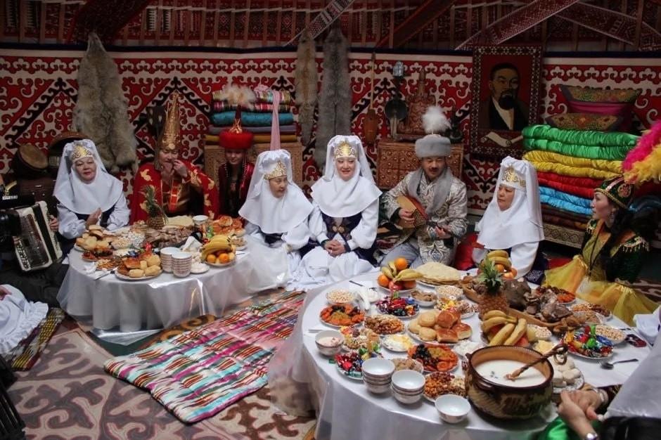 Казахский праздничный стол