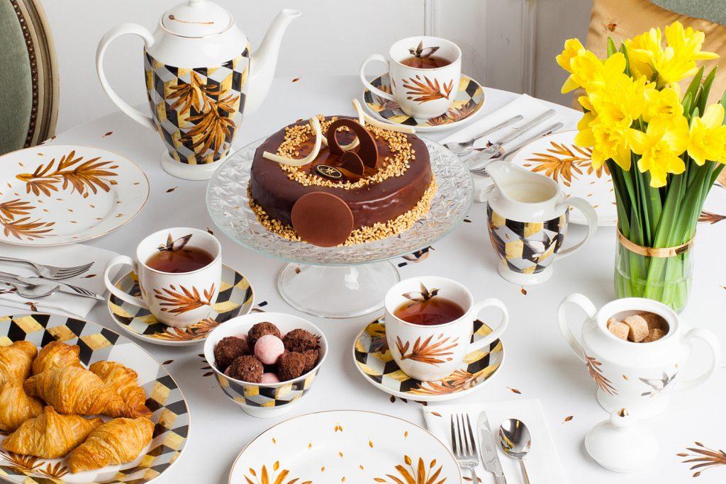 Сервировка праздничного чайного стола