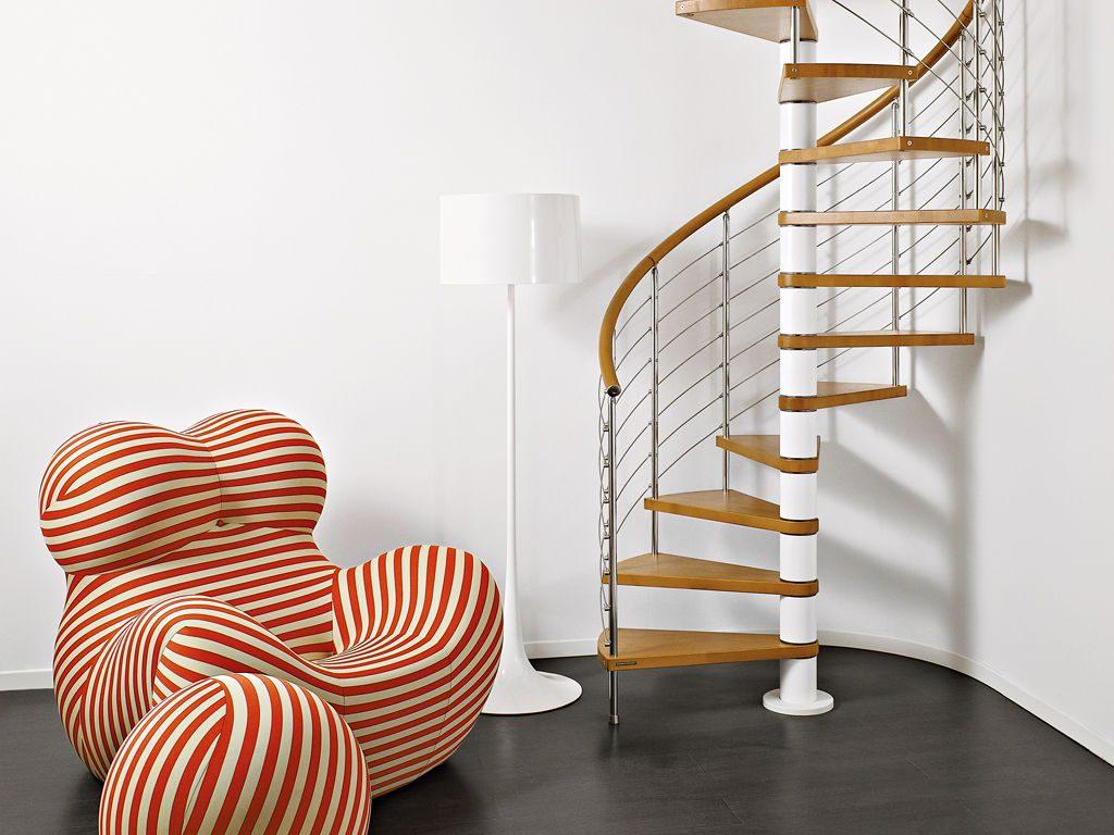 Модульная винтовая лестница на второй этаж