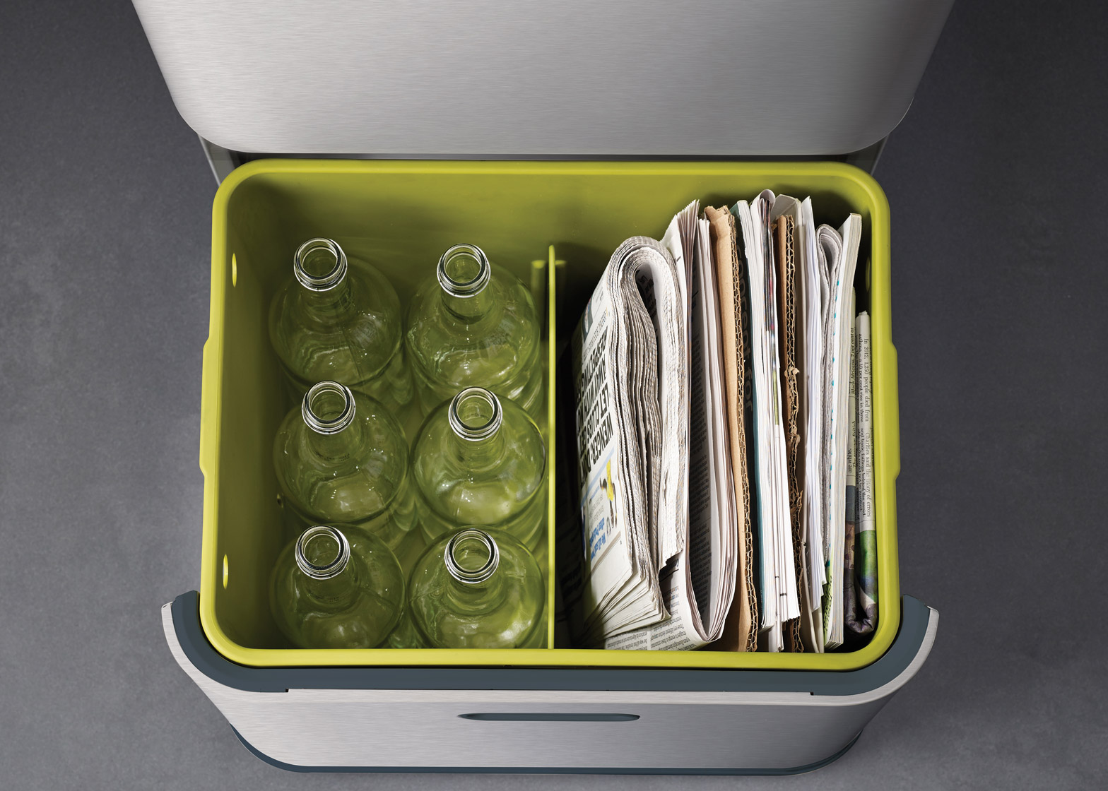 Как красиво организовать раздельный сбор мусора у себя на кухне?
