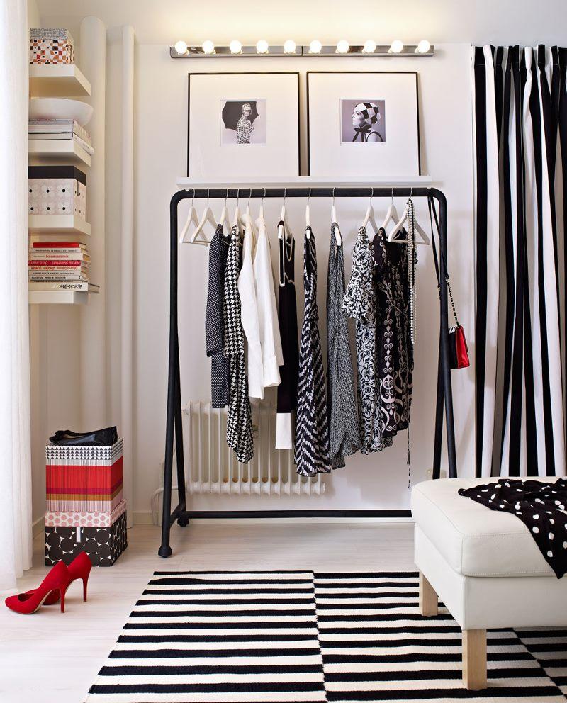 Креативное использование одежды в интерьере
