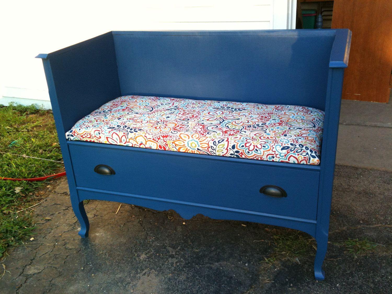 Почему не следует выбрасывать старую мебель? [5 причин]