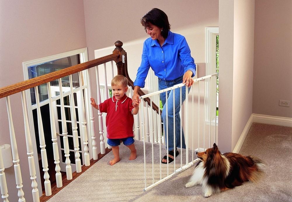 Как сделать лестницу в доме безопасной