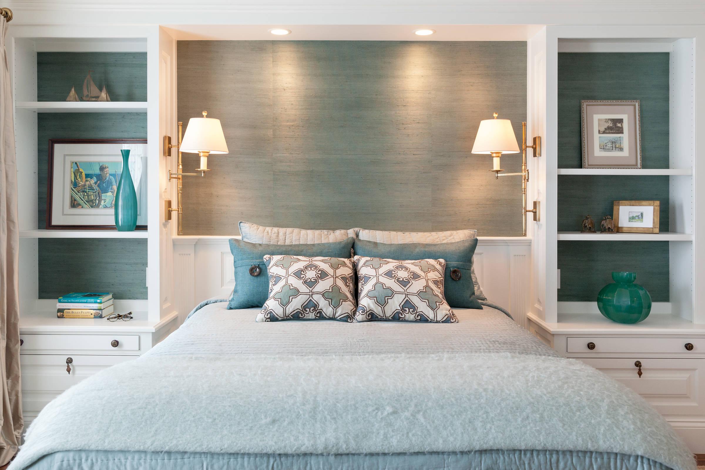 Как подобрать бра в спальню?