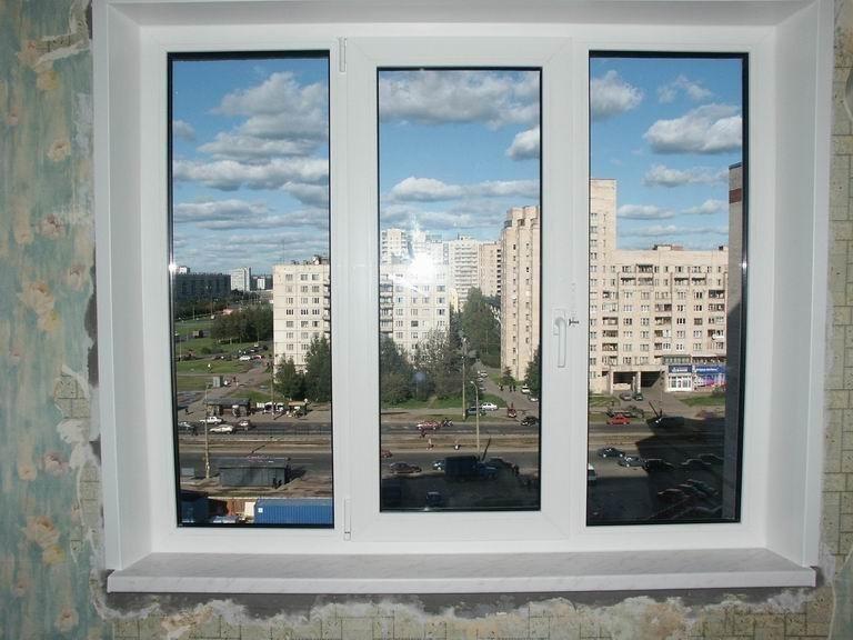 Треснуло пластиковое окно: причины, ремонт