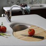 Мойка в кухне: 5 необычных оформлений