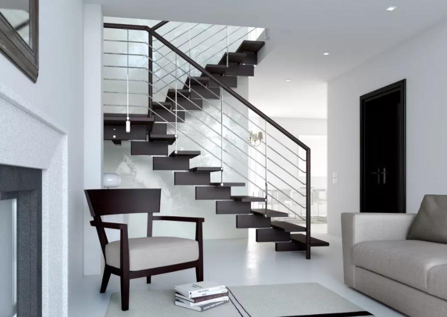Металлическая двухмаршевая лестница