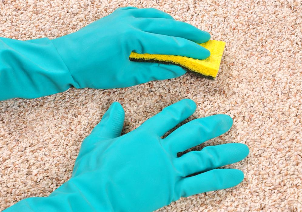 Как очистить ковер от восковых пятен