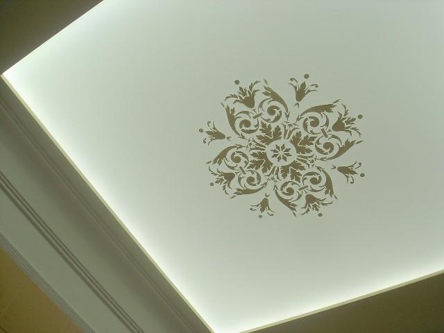 Трафареты для потолка своими руками помогут в оформлении комнаты