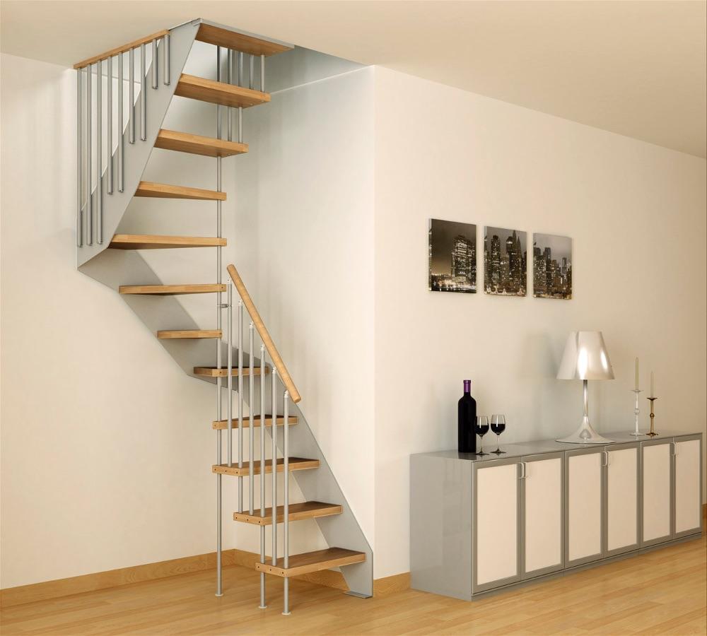 Маленькая лестница на второй этаж