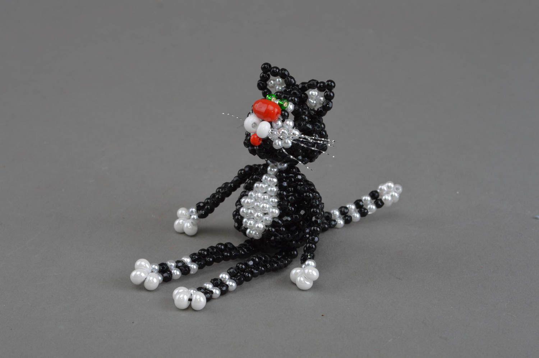 Изюминка интерьера: самодельная фигурка рыжего кота из бисера [Мастер-класс]