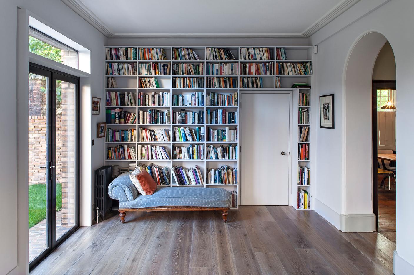Как организовать хранение книг [4 стильных совета]