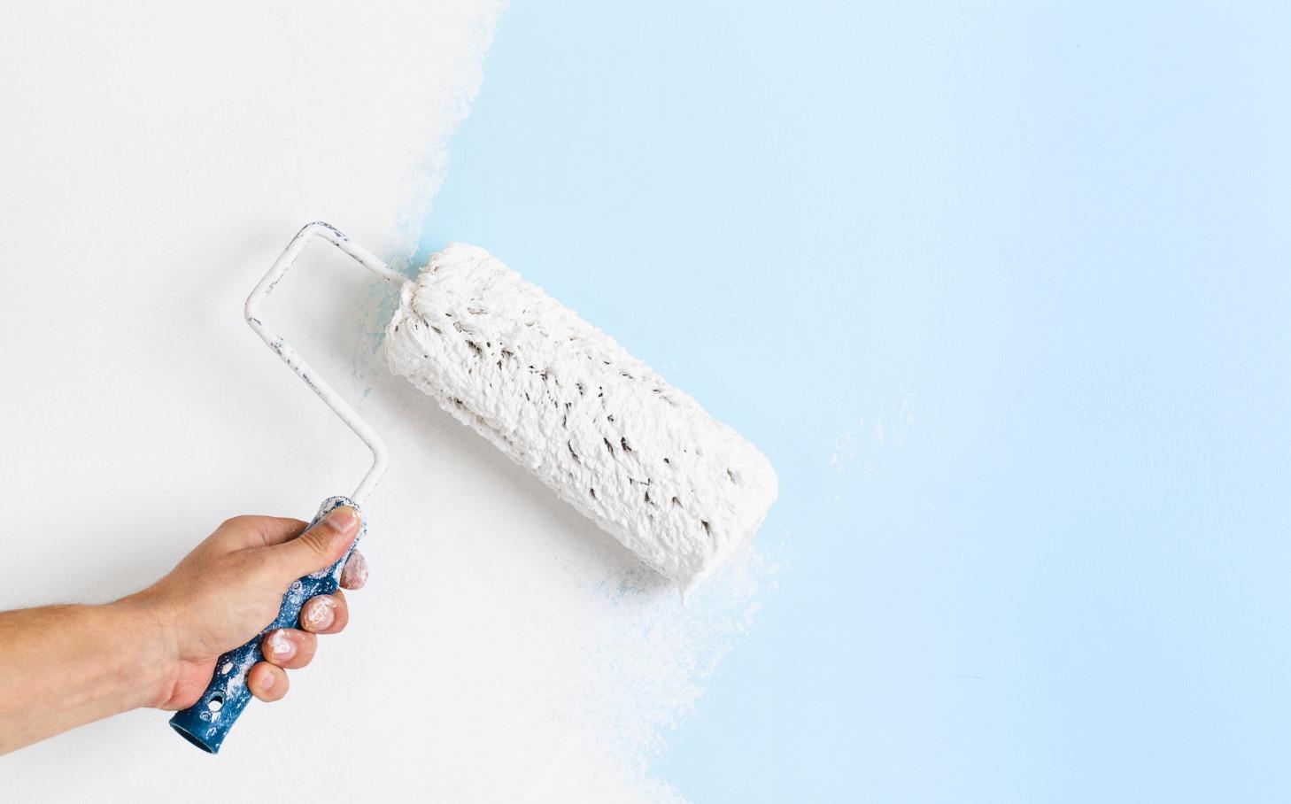 """Как правильно красить стены валиком без полос? [советы """"бывалых""""]"""
