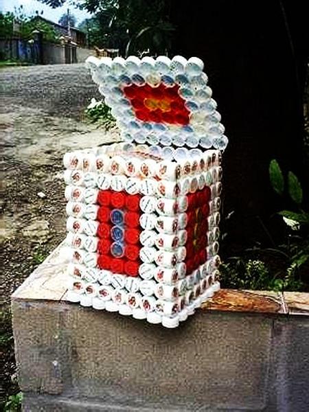 Поделки из крышек от бутылок для дома и дачи (36 фото)