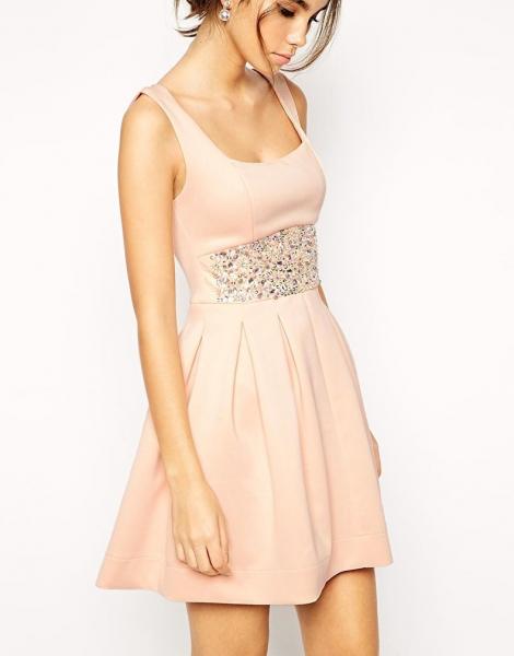 cf7d4e2d00b Как украсить платье своими руками кружевом и бантиками