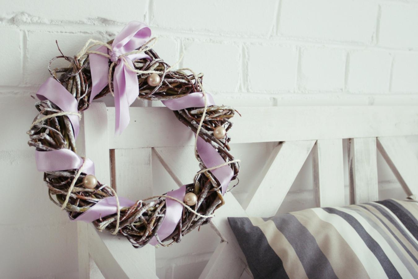 Как сделать декоративные венки для интерьера своими руками?