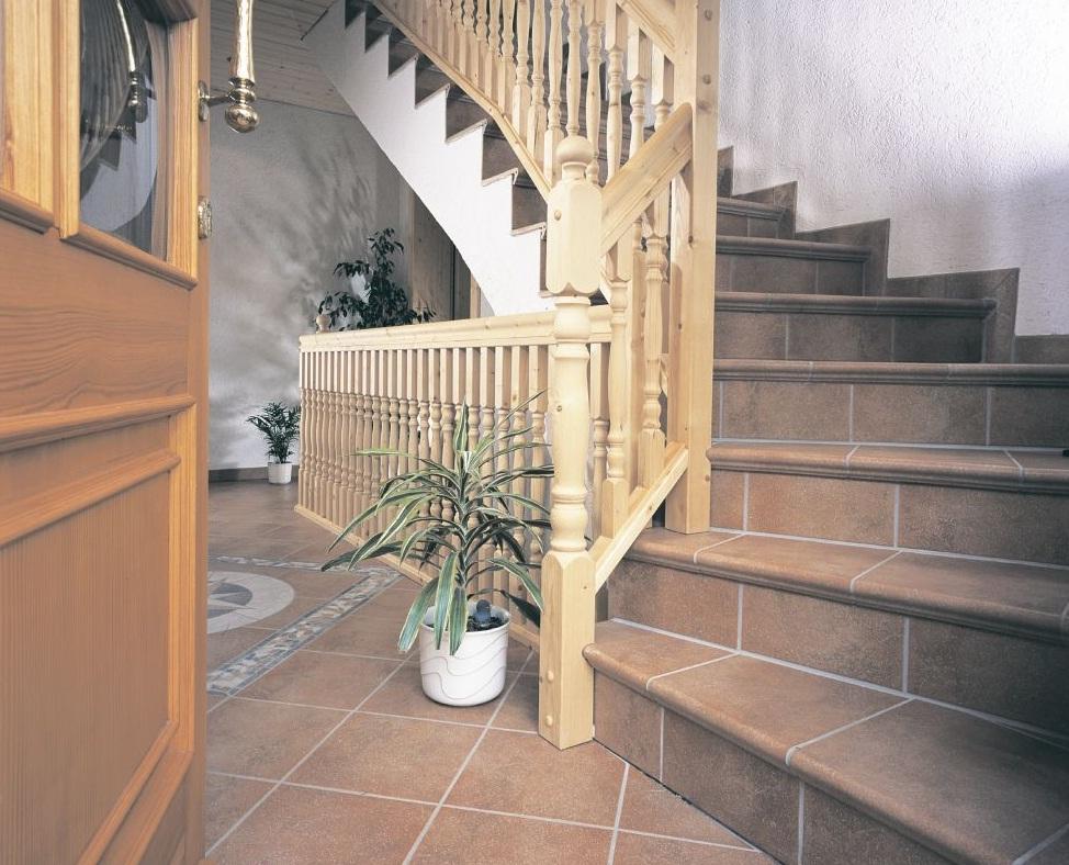 Лестница с отделкой из плитки