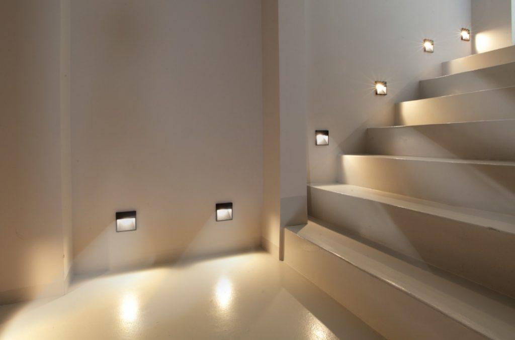 Беспроводная подсветка лестницы