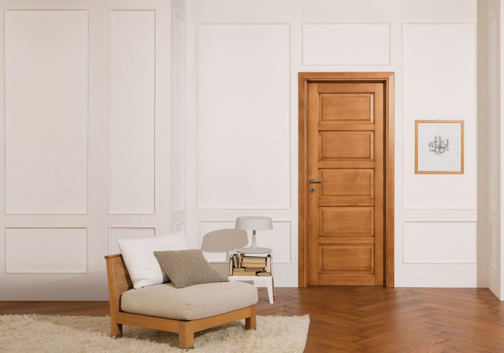 Филенчатая межкомнатная дверь
