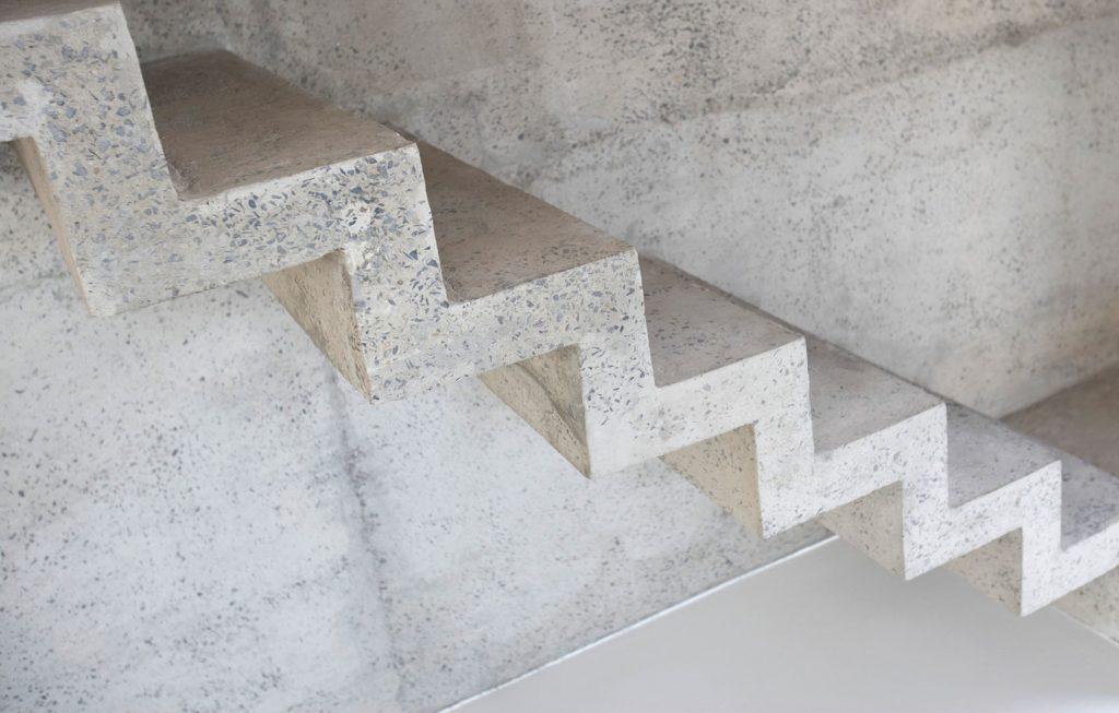 Картинки по запросу Лестницы с бетонными маршами - прочность и долговечность