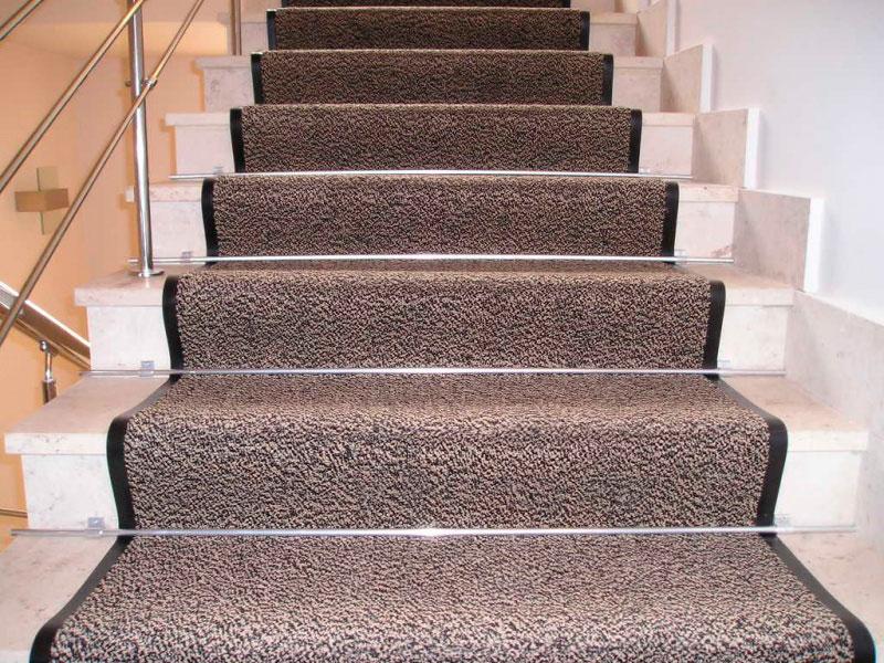 Ковролин на каучуковой основе для лестницы