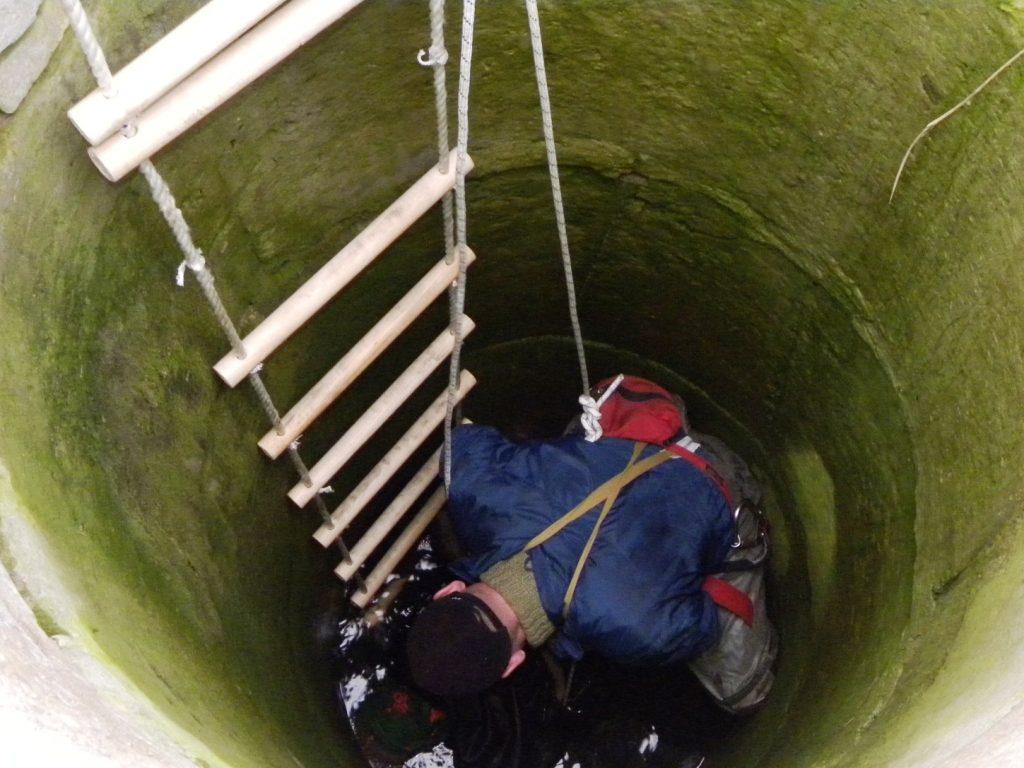 Где используют веревочную лестницу