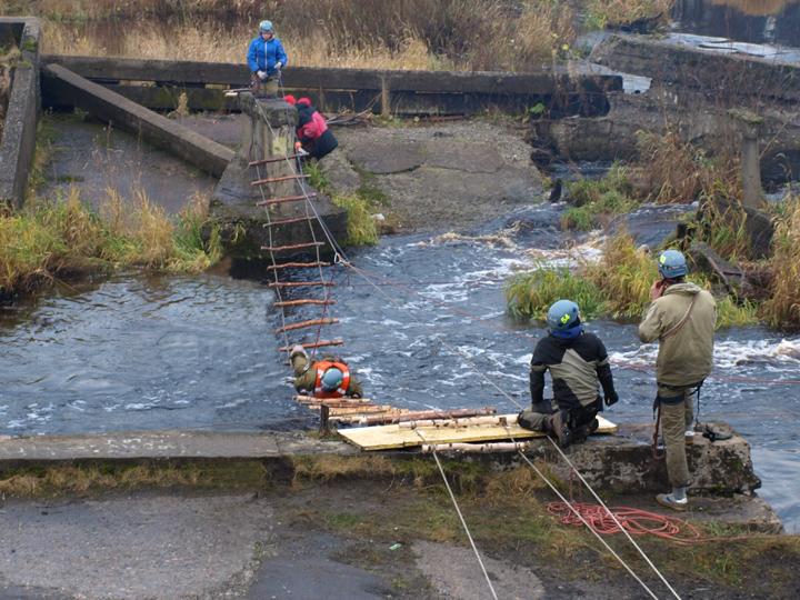 Спасательная веревочная лестница