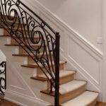 Особенности кованых лестниц: виды, преимущества и технология изготовления  +55 фото