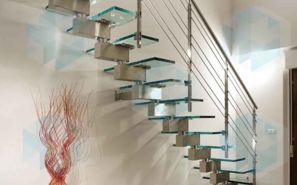 Модульная лестница из нержавейки и стекла