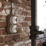 Ретропроводка: что это такое и как использовать в интерьере