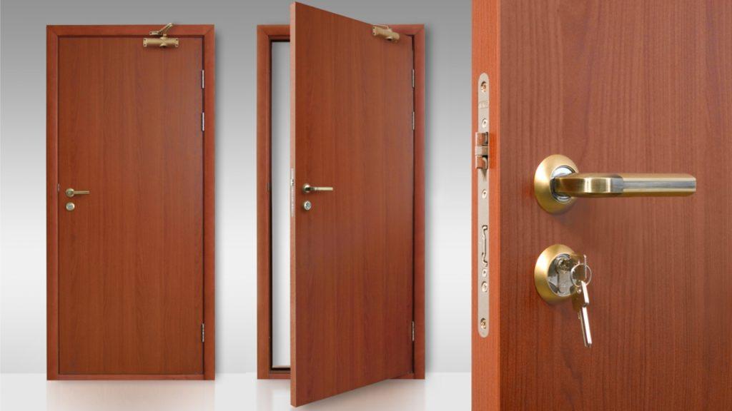 Щитовые входные двери из дерева