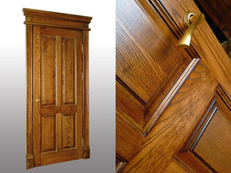Филенчатая деревянная дверь