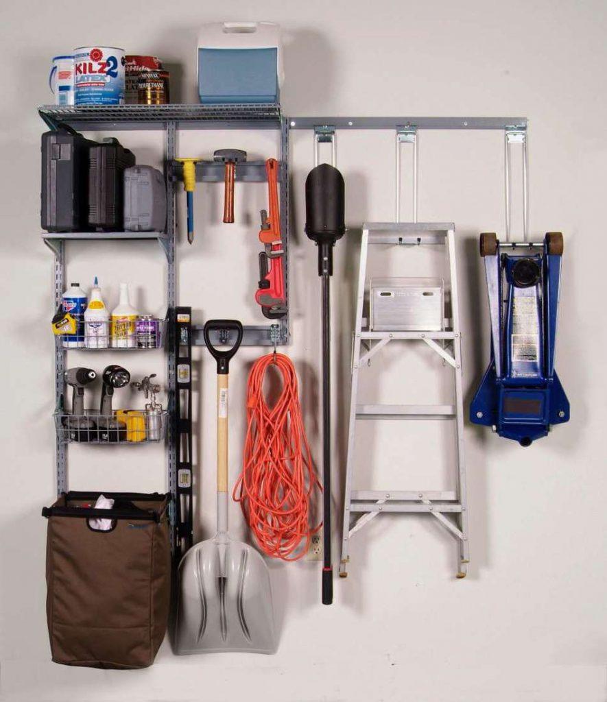 инструменты в кладовке