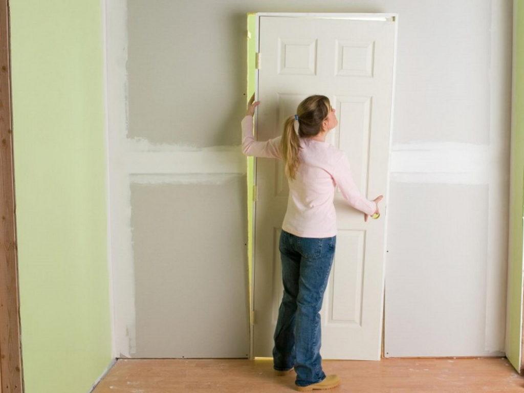 Как отреставрировать межкомнатную дверь