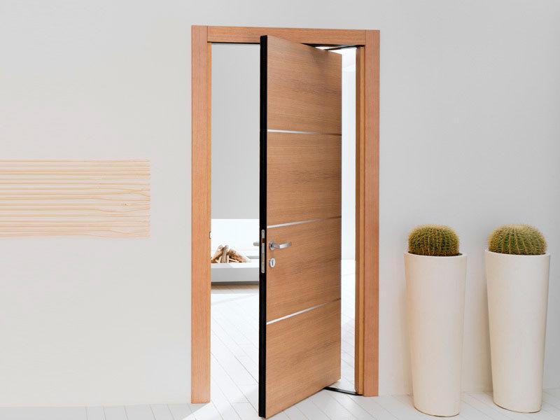 Маятниковая межкомнатная дверь