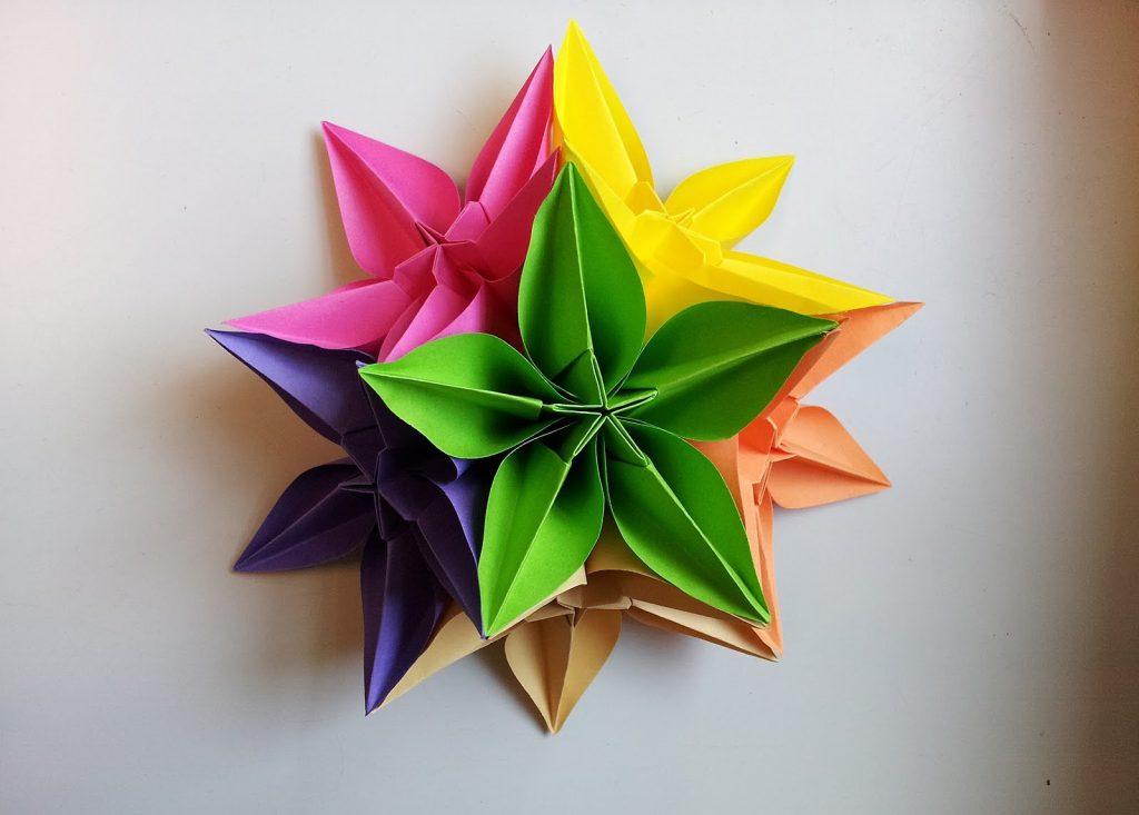 разноцветный веток